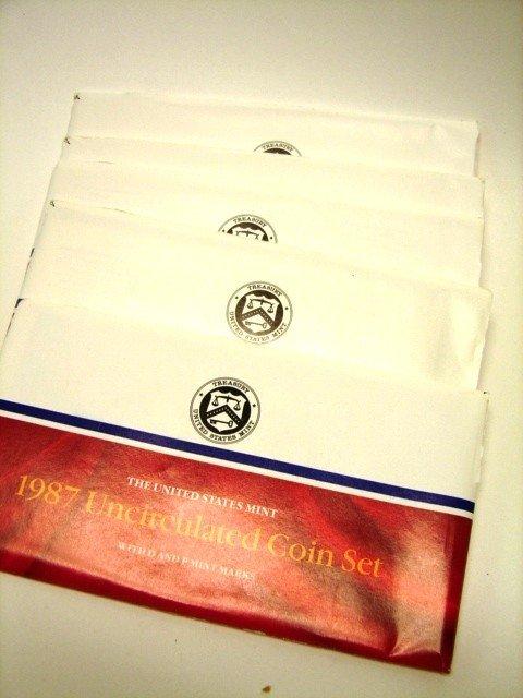 19: Lot, 10 UC US Mint Coin Sets