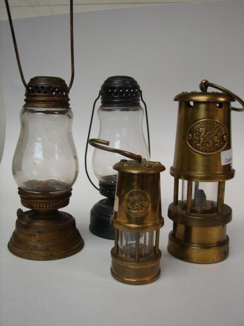 Lot (4) Lanterns/Lamps