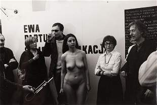 """Ewa Partum (b. 1945) """"Samoidentyfikacja"""", fot. Andrzej"""