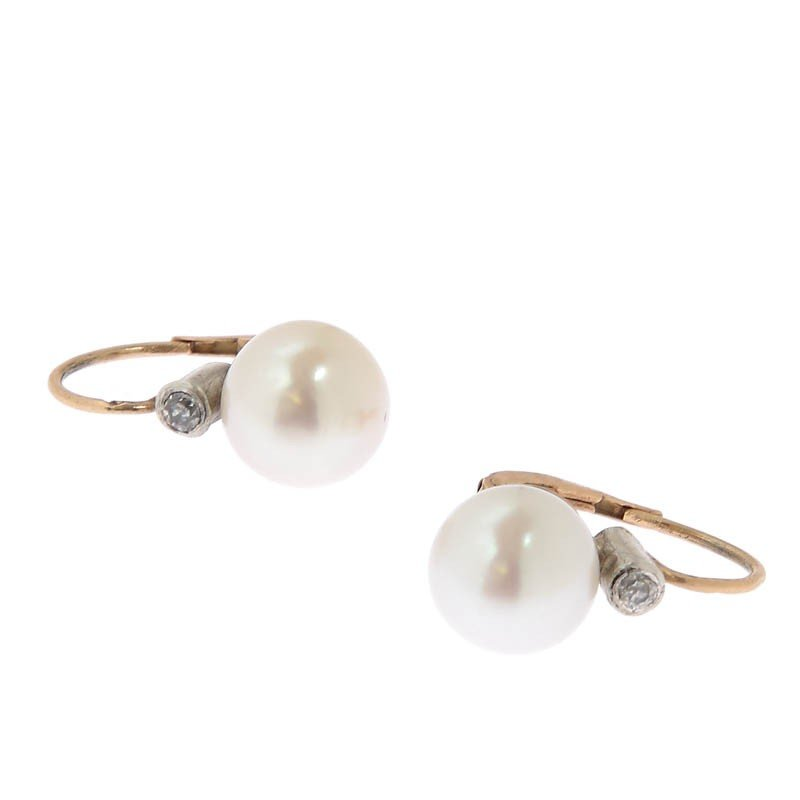 18: Gold earrings with diamonds and pearls , Austria, X