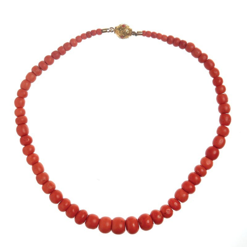 24: Coral necklace