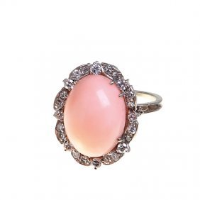 20: Coral ring, Italy, XX th century white gold ~ 0,750