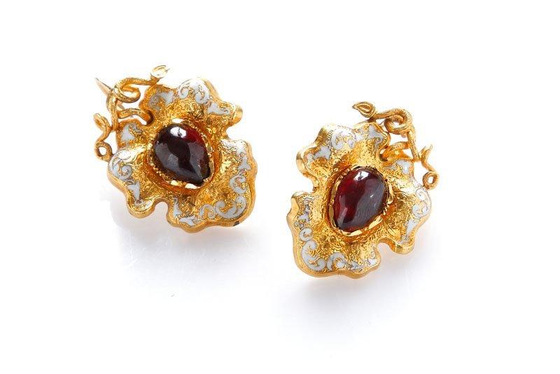 5: Set of jewelry , XIX th century brooch & earrings, g