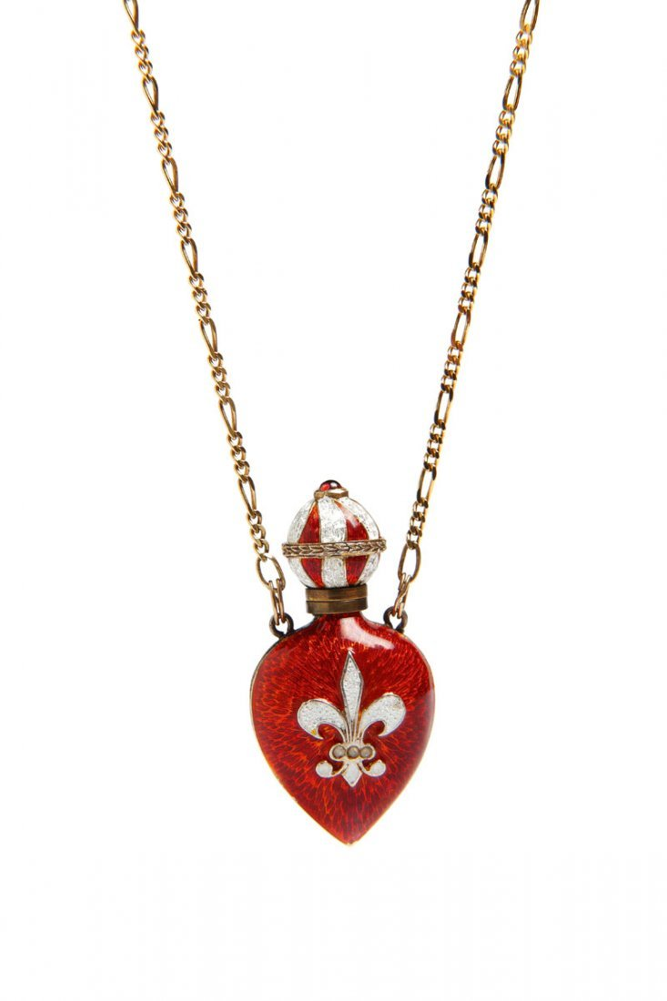 9: Pendant gold-plated silver   0,925, 1 ruby cabochon-