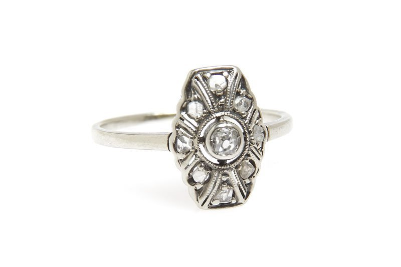 Ring with rose-cut diamonds, 20.-ties-30-ties XX th cen