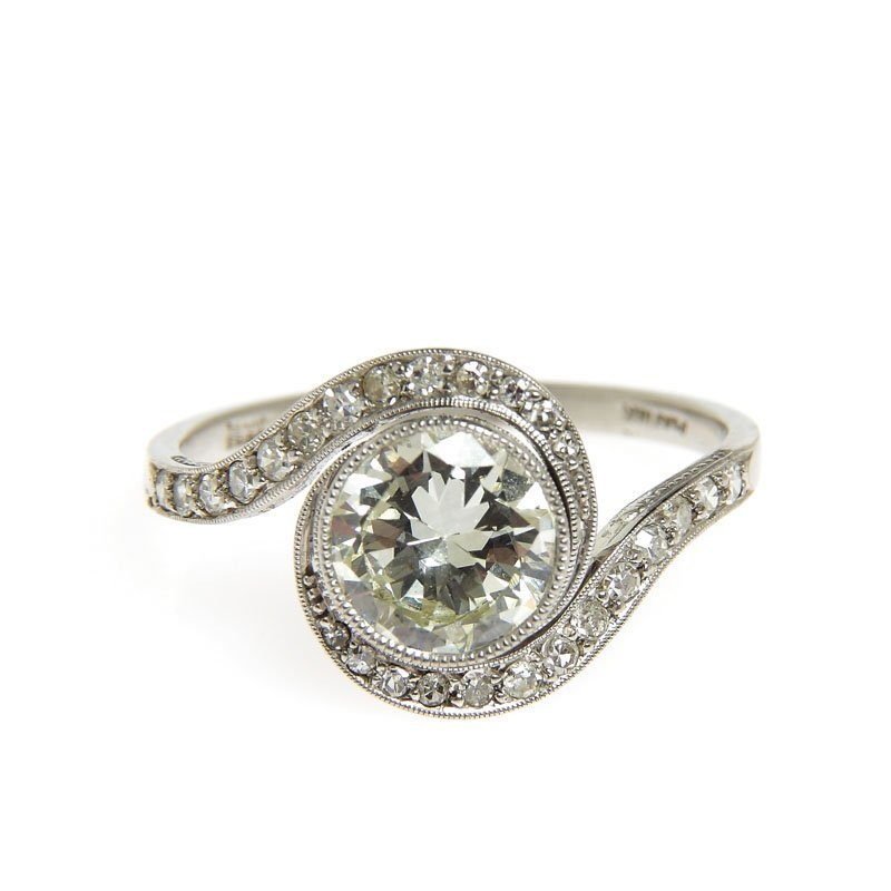 Diamond ring, beginning of XX th century platinum 0,950