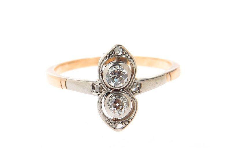 """Ring, circa 1920-30, gold """"3"""", platinum 0,950, 2 diamon"""