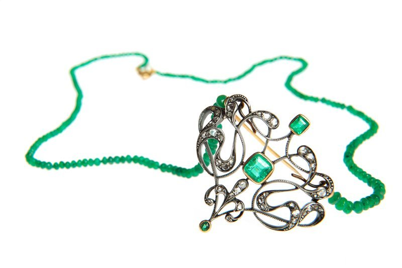 Necklace-brooch, XIX/XX th century silver, 3 emeralds t