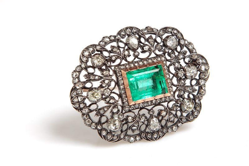 Brooch with emerald, XIX th century gold, silver, 1 eme