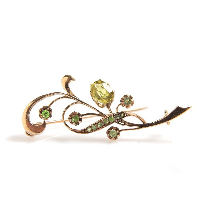 "Seccession brooch, Moscow, 1899-1908  gold ""56"", olivin"