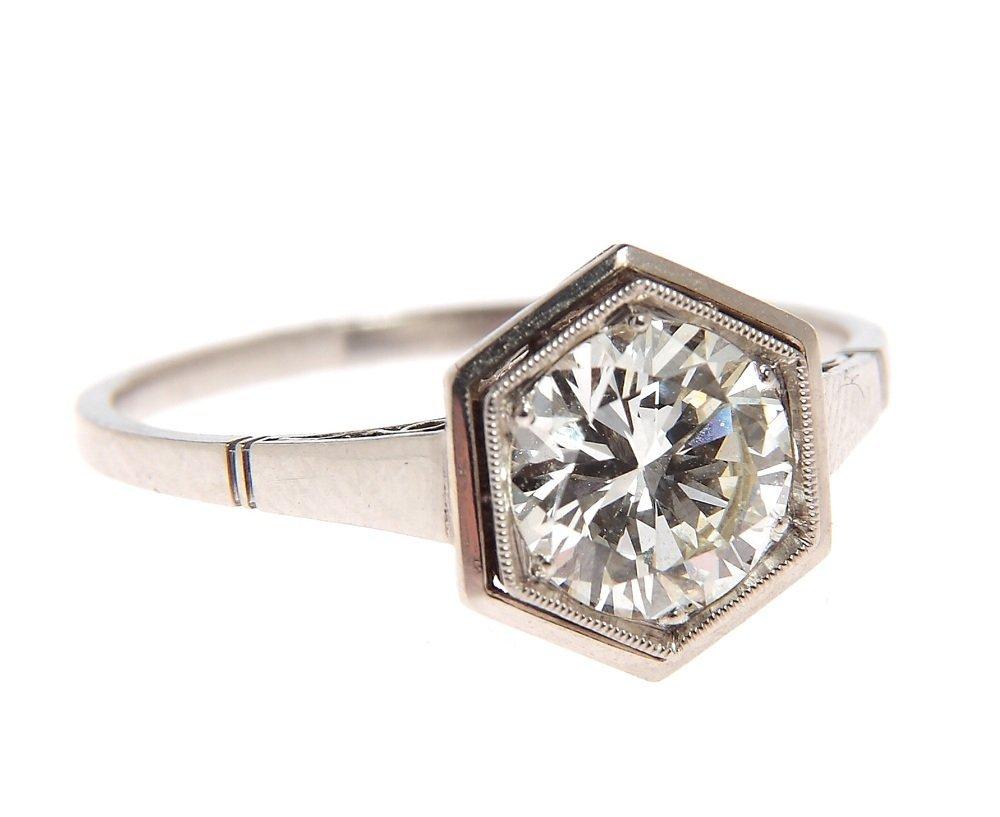 Ring with diamond, circa 1920-1930 platinum 0,950, 1