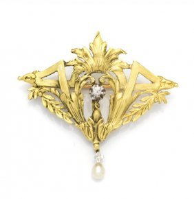 Chiselled Brooch, Late 19th Century; 0.580 Gold,