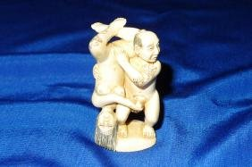 Vintage sight Japanese Erotic Netsuke