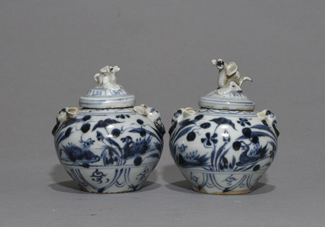 2 Pieces of Chinese Blue/White Porcelain Cover Jar