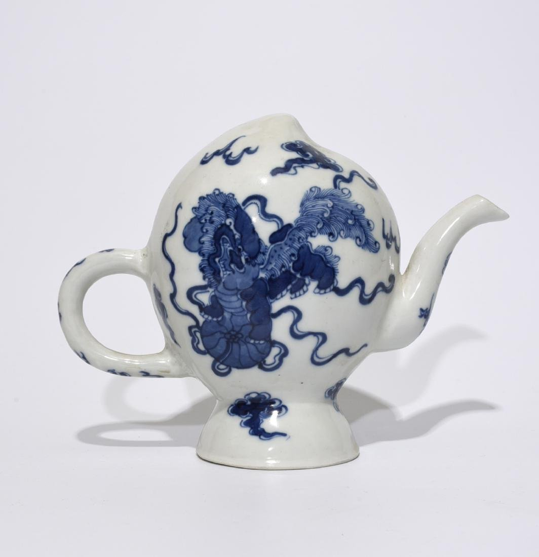 Chinese Blue/White Porcelain Water Dropper