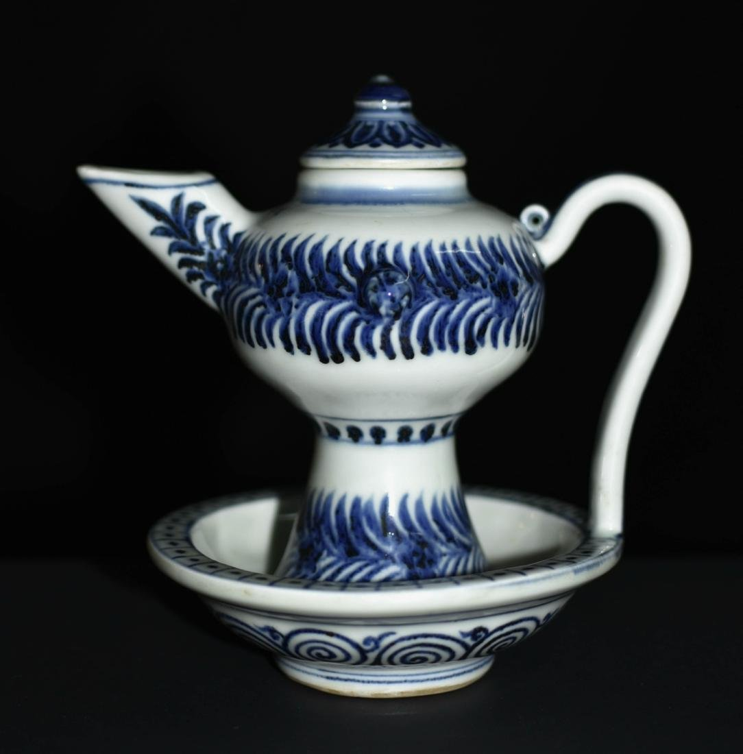 Chinese Blue And White Porcelain Pot