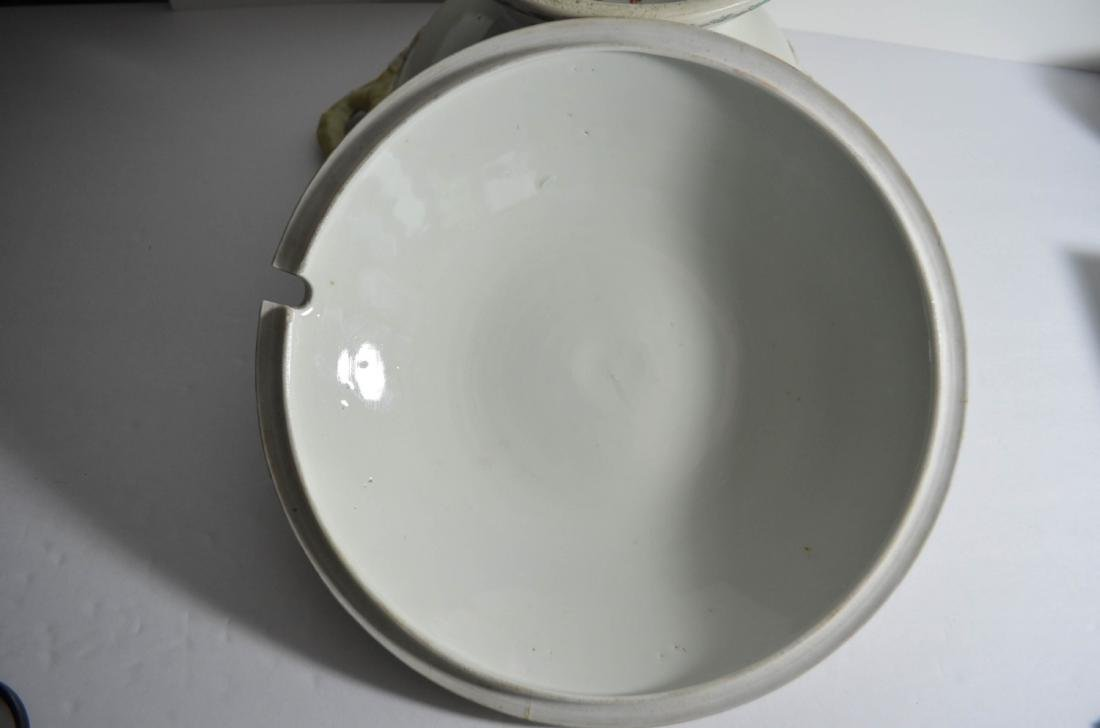 Japanese 18th C. Porcelain Bowl with Cover - 5