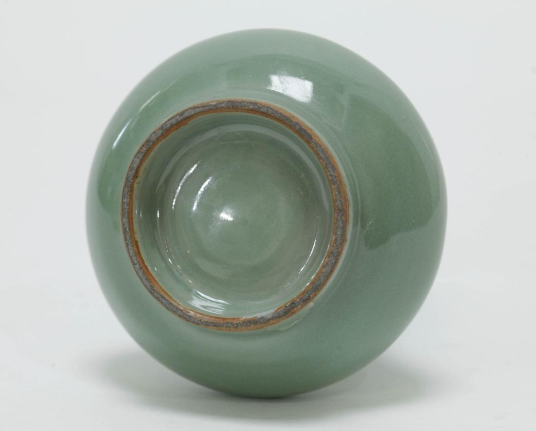 Chinese Song Period Celadon Glazed Vase - 5