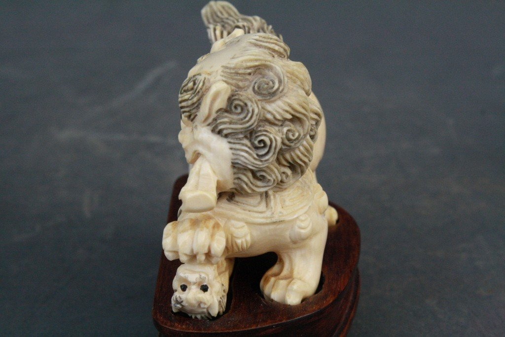 39: Pair of Carved Ivory Foo Lions - 6