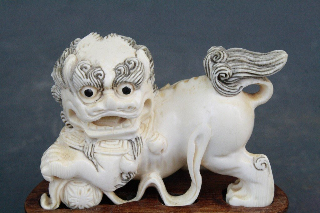 39: Pair of Carved Ivory Foo Lions - 8
