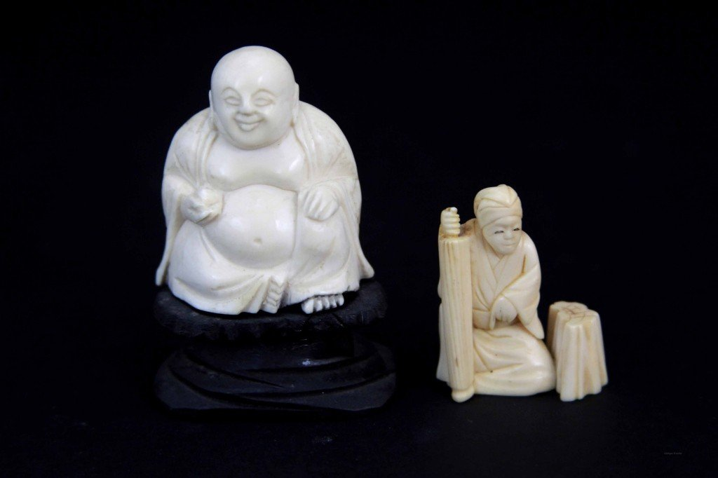 2: Two Chinese Carved Ivory Figures