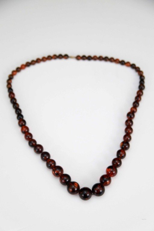 9: Graduated Amber Necklace