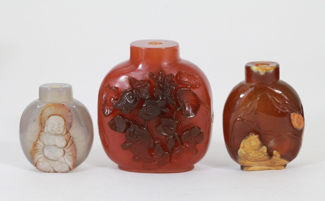 10: Three Pieces of Chinese Agate Snuff Bottles