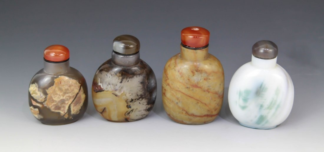 15: 4 Pieces of Chinese Agate Snuff Bottles