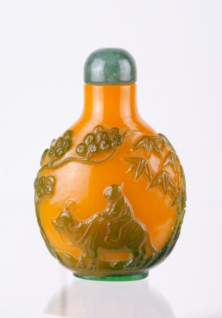 Chinese Green Overlay Yellow Glass Snuff Bottle