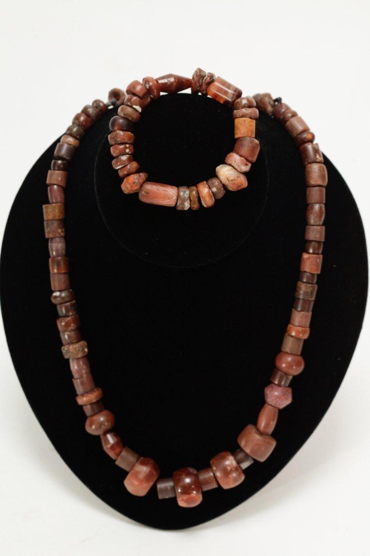 A Set of Ancient Agate Bead Necklace & Bracelet