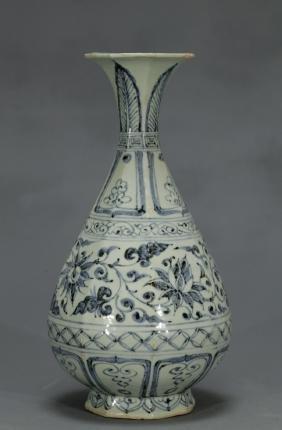 Chinese Blue/White Porcelain Floral Vase