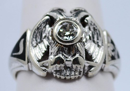 14 kt Men's Diamond Masonic Ring. Size 9.