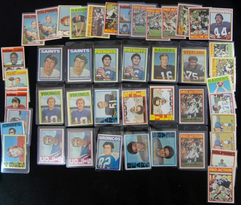 46 - 1972 TOPPS FOOTBALL CARDS - MOSTLY STARS - AVG EX