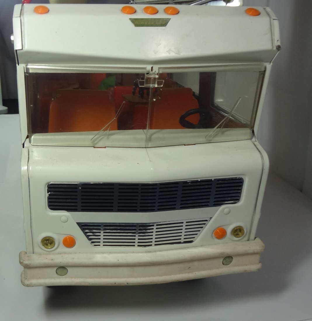 Vintage Tonka Winnebago Indian Camper  Toy - 4