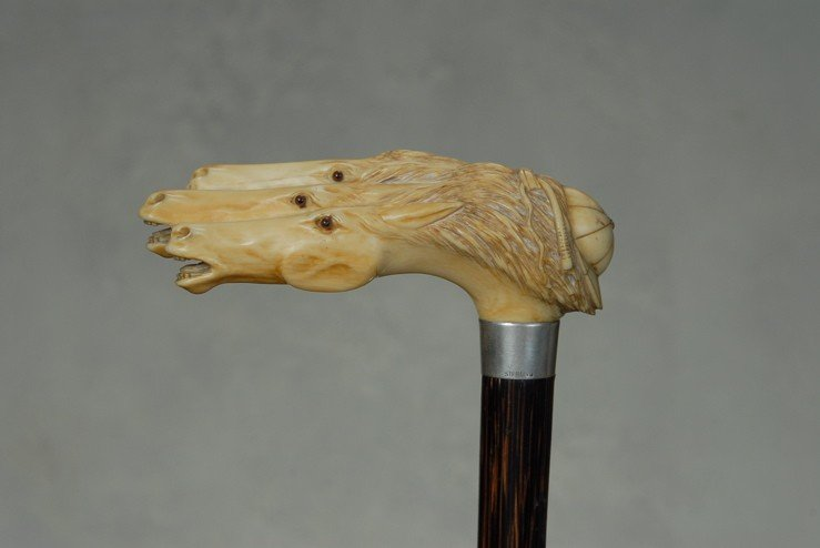 20: A superb ivory cane of racing horses