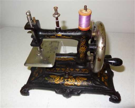 Early Clawfoot German Sewing Machine Extraordinary German Sewing Machine
