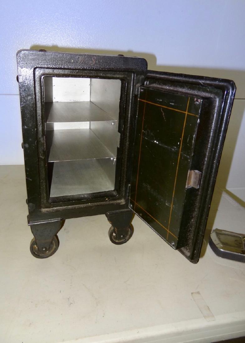 Small Royal Safe - 3