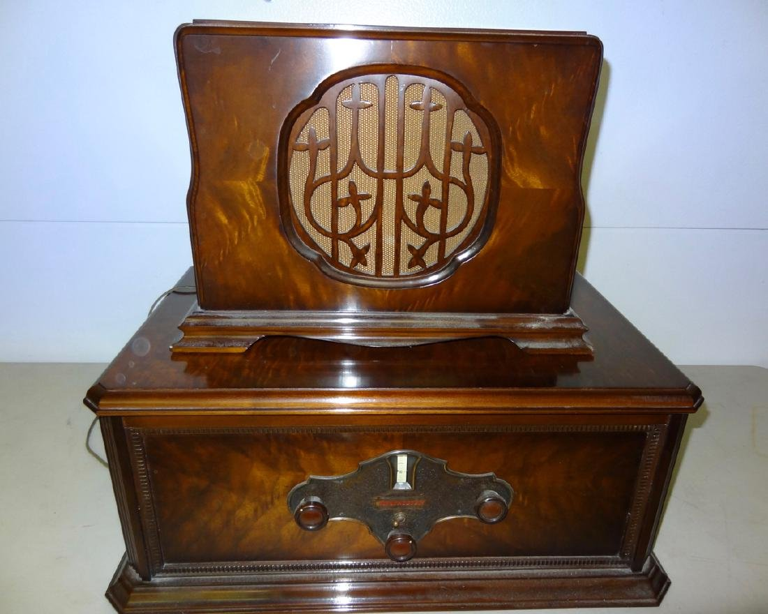 Rare Winchester Radio & Speaker
