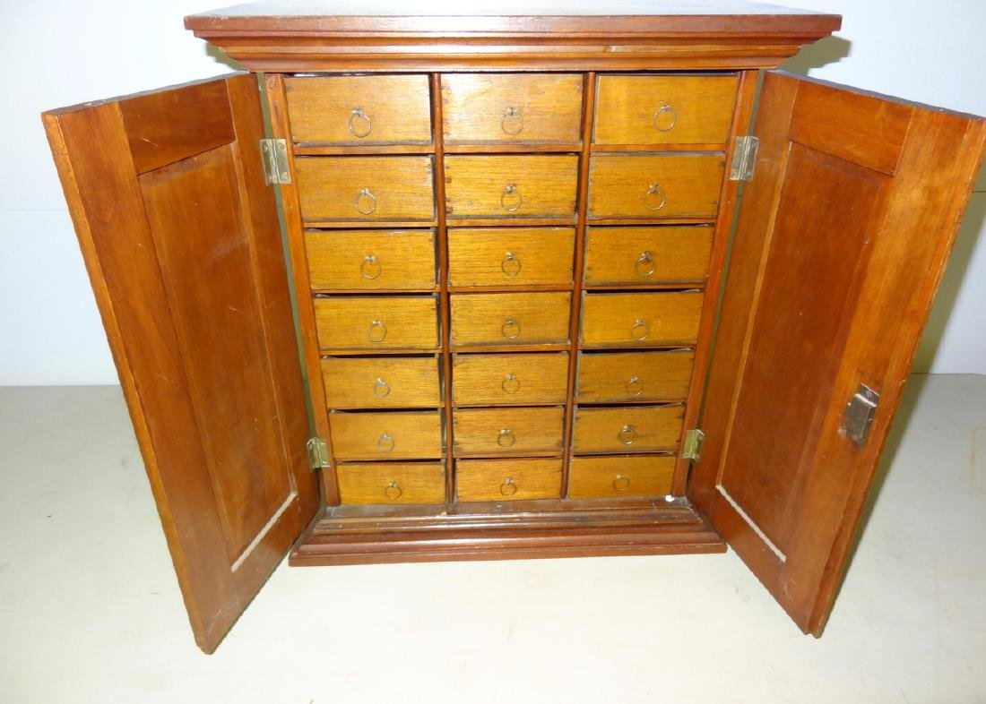 Country Store Counter Top Cigar Humidor - 2
