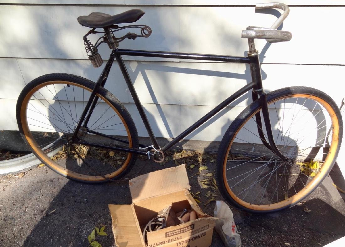 Skip Chaing Wood Rimmed Boy's Bicycle