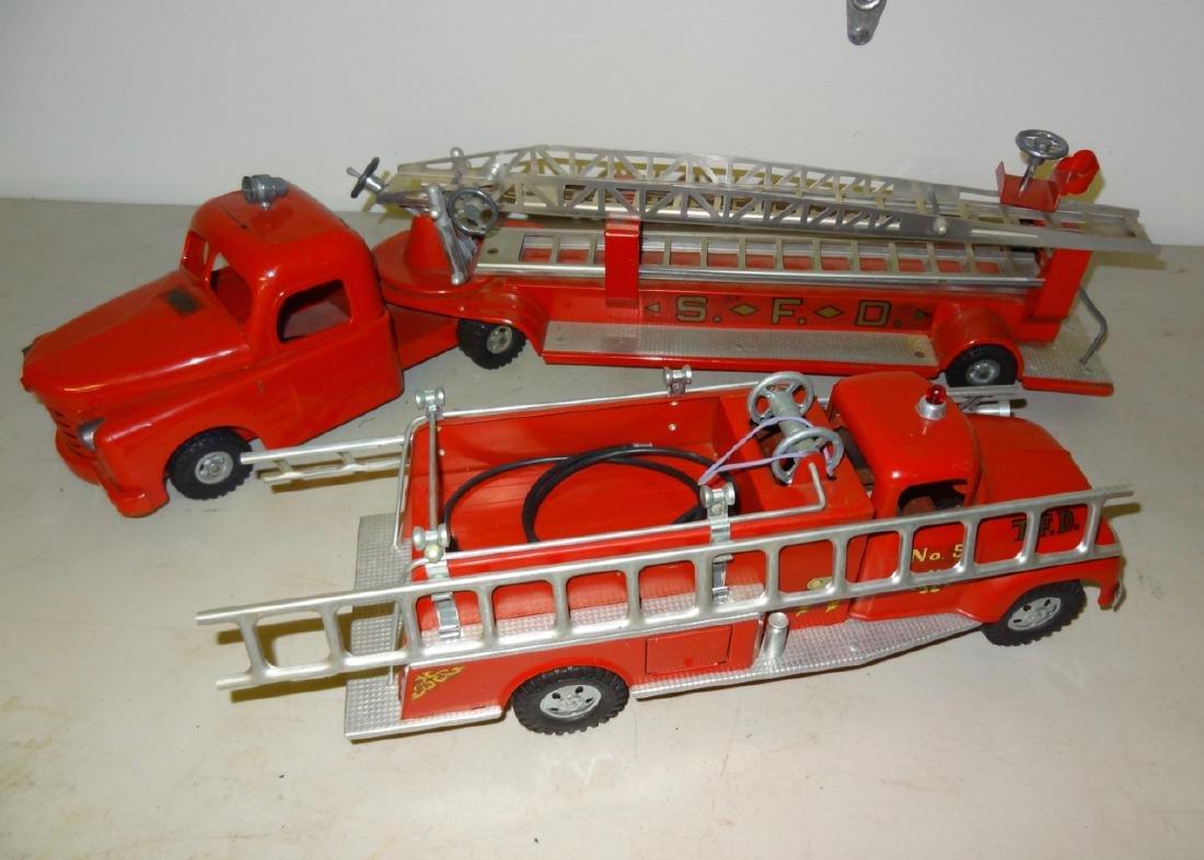 2 Fire Trucks