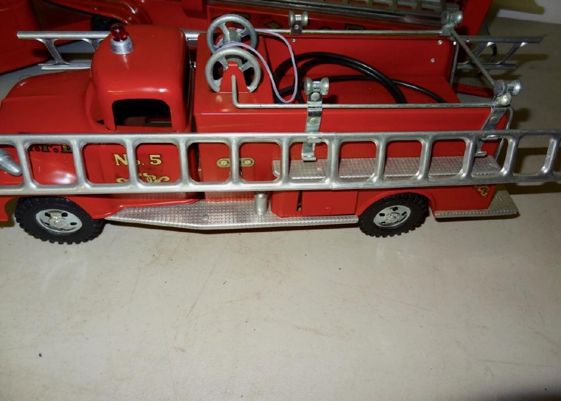2 Fire Trucks - 3