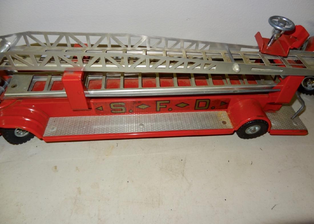 2 Fire Trucks - 4