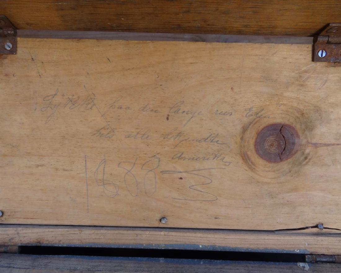 Small Dovetailed Humpback Trunk - 3