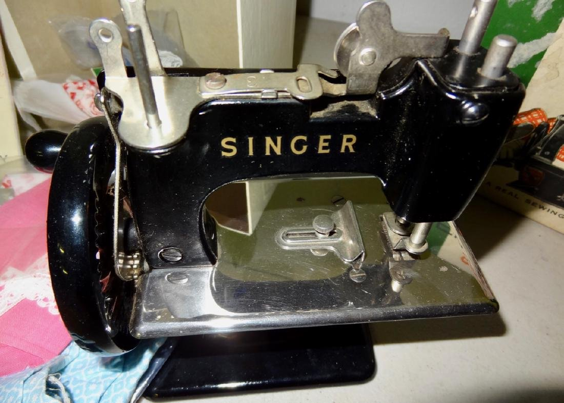 Singer Sewing Machine in Box - 2