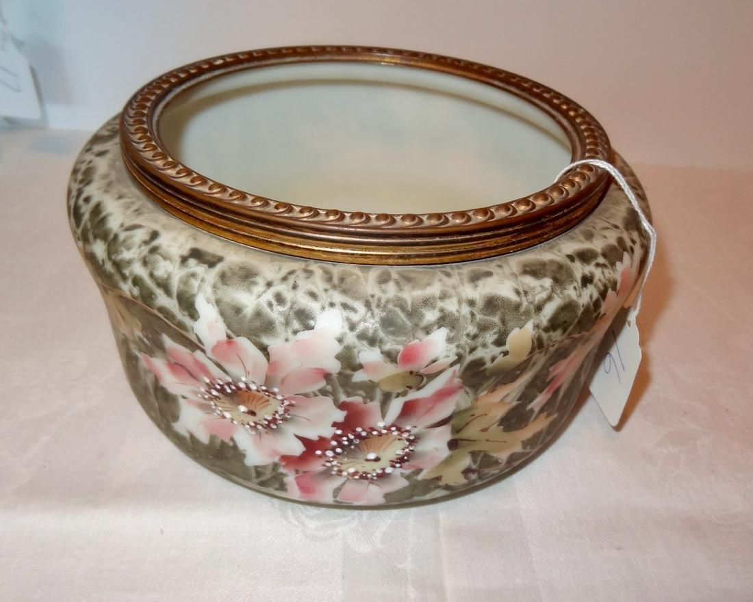 Large Wavecrest Dresser Bowl