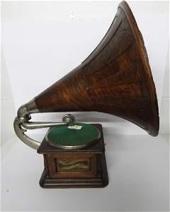 Rare Columbia Oak Horned Graphaphone