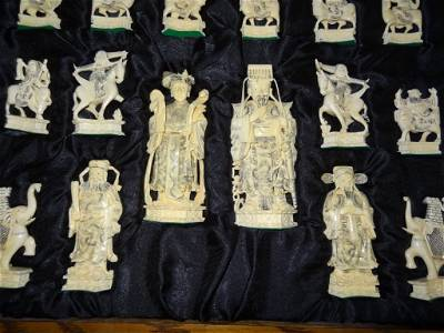 301: Fabulous Carved Ivory Chess Set in Original Finish