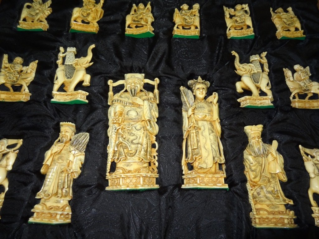 301: Fabulous Carved Ivory Chess Set in Original Finish - 2