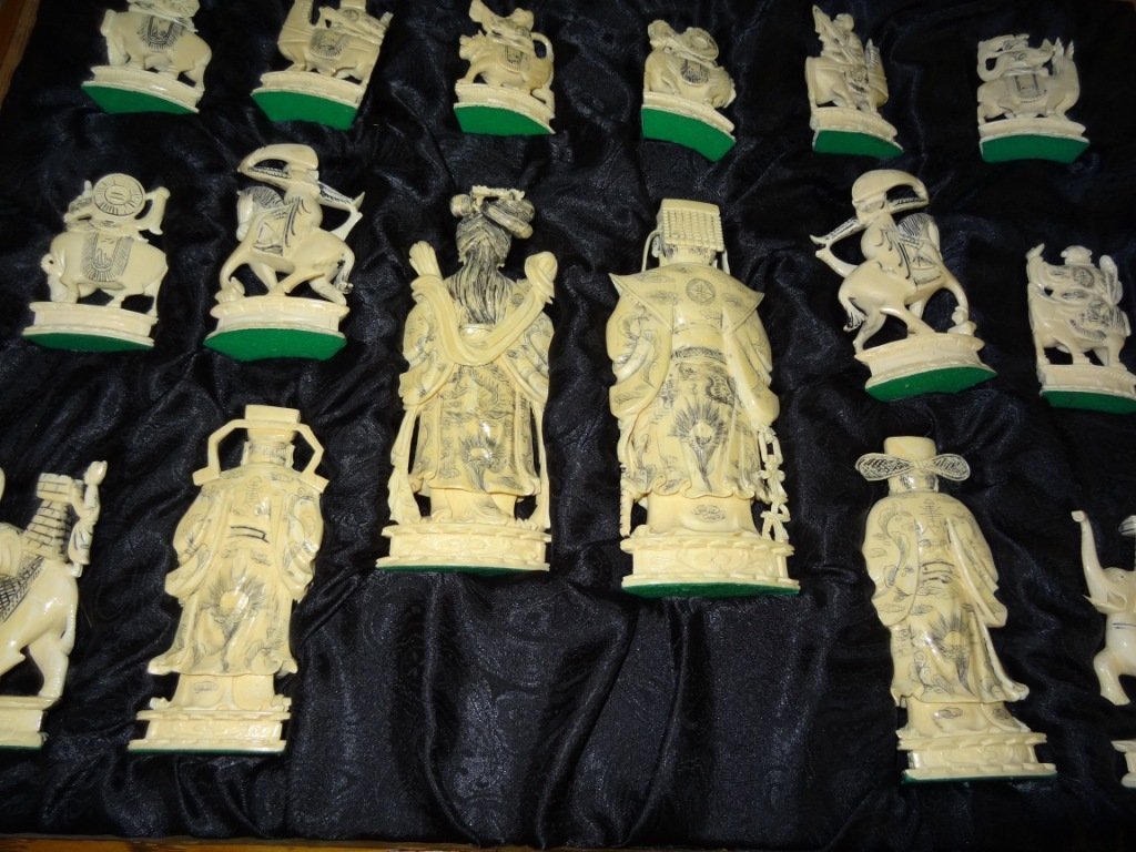 301: Fabulous Carved Ivory Chess Set in Original Finish - 7